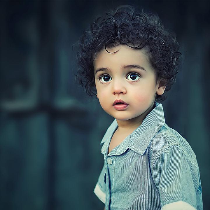 子供の成長を見守る「保育士」